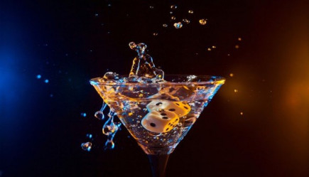 Pairing cocktails to casino games is no easy task, learn what your tipple should be and why!